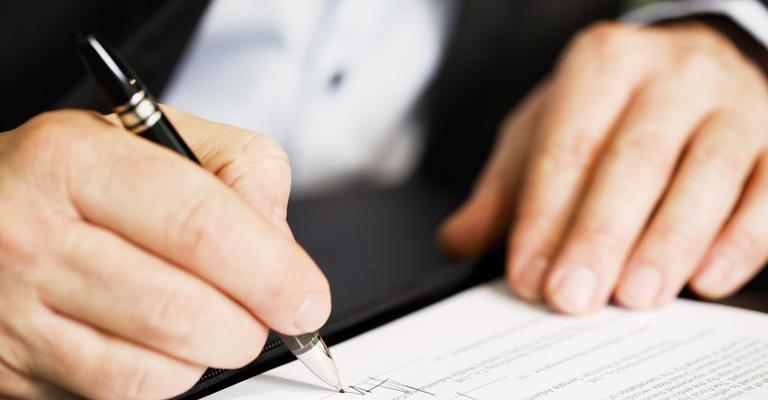 Siete contratos con los que las empresas pagan menos Seguridad Social